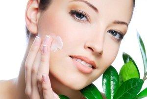 Увлажнение кожи при шелушении