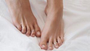 Шелушения на ногах