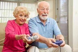 Старички играют в приставку