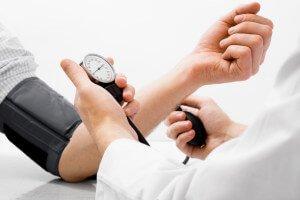 arterialnaya-gipertenziya-stepen-risk-stadiya