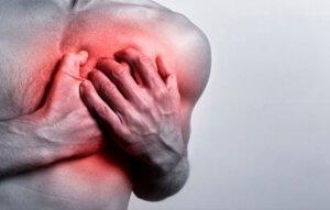 Боль в левой половине груди