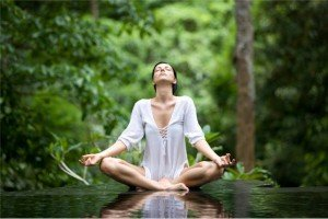 йога помогает от недуга