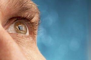 Падение зрения у пожилых людей