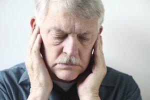 боли в ушах у пожилых